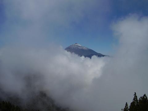 20110118231315-niebla-teide.jpg